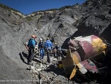 Pháp công bố video hiện trường máy bay Germanwings rơi