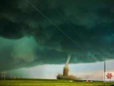 Clip kỳ thú vòi rồng trên bầu trời nước Mỹ