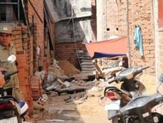 Clip sập tường nhà đang xây, một công nhân tử vong
