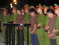 Clip Nguyễn Hải Dương ngã quỵ khi nghe tòa tuyên án tử hình