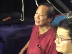 Clip Bộ trưởng Trương Minh Tuấn đón chuyến tàu xa bờ vào Nhật Lệ