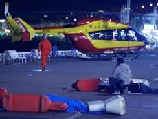 Clip: Cận cảnh vụ tấn công bằng xe tải kinh hoàng tại Pháp