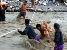 Clip: Những hình ảnh khó tin về lũ quét ở Sơn La