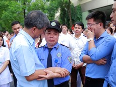 GS Nguyễn Anh Trí nghỉ hưu, nhân viên bệnh viện nói gì?