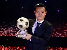 Giây phút Đinh Thanh Trung giành Quả bóng vàng 2017