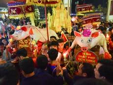 'Ông lợn' từ khi nuôi đến khi rước ở lễ hội La Phù
