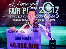 Giây phút đăng quang Fair Play đầy bất ngờ của Văn Toàn