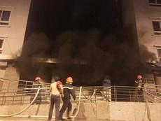 Cư dân kể lại giây phút tháo chạy khỏi tòa nhà Carina
