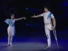 Cảm động màn biểu diễn tuyệt vời của đôi diễn viên khuyết tật