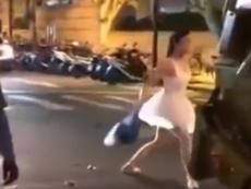 Clip: Cô gái vừa đổ rác vừa múa ba lê