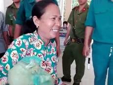 Vụ cháy ở Cần Thơ: Tặng quà cho các công nhân