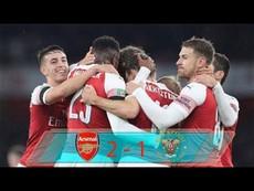 Arsenal - Blackpool (2-1): 2 thẻ đỏ ngăn chặn cơ hội