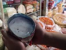 Cách chọn chả lụa ăn tết chất lượng và không có hàn the