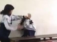 Clip nữ sinh dùng chổi đánh nam sinh trong lớp học