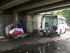 Nam thanh niên lang thang tử vong dưới gầm cầu Chợ Cầu