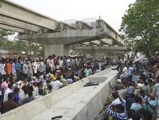 Sập cầu vượt ở Ấn Độ, ít nhất 16 người tử vong