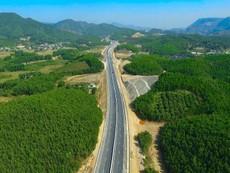 Cao tốc Hạ Long - Vân Đồn nhìn từ trên cao