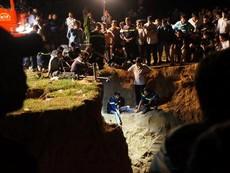 Hàng trăm chiến sĩ cứu hộ giải cứu bé gái lọt xuống giếng sâu