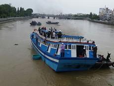 Giải cứu thành công con tàu mắc kẹt dưới cầu Lê Hồng Phong