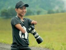 Nhiếp ảnh gia chuyên nghiệp mặc dù không có tay chân