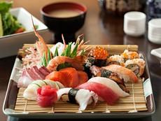 Chợ nước ngoài ở Sài Gòn - kỳ 3: Đến chợ Nhật ăn đặc sản
