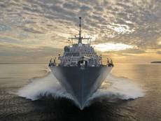 Cận cảnh chiến hạm Mỹ vừa  tuần tra trên Biển Đông