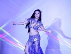 Vẻ đẹp nóng bỏng của vũ công Belly Dance