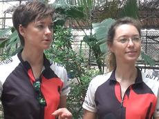 Hai cô gái đạp xe khắp Đông Nam Á kêu gọi cứu loài tê giác