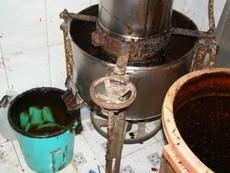 Clip sản xuất tương ớt bằng bột mì và chất tạo màu