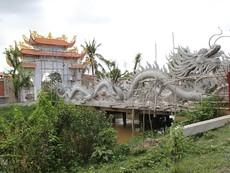 Clip cận cảnh nhà thờ tổ nghiệp tiền tỉ của danh hài Hoài Linh