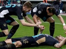 Chelsea 'đá bay' Porto, Arsenal lập nên kỳ tích