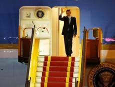 Video: Chuyên cơ tổng thống Mỹ hạ cánh xuống sân bay Nội Bài