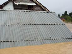 Clip: Huyện Hương Khê, Hà Tĩnh ngập chìm trong lũ dữ