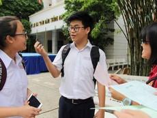 Clip: Đề thi tiếng Anh, học sinh làm được hơn 80%