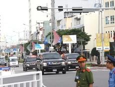 Clip:Đoàn xe chở Tổng thống Mỹ Donald Trump rời Đà Nẵng