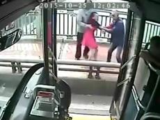 Khoảnh khắc cảm động chàng tài xế giải cứu cô gái định tự tử