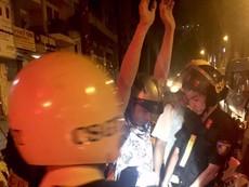 CSGT bắt 2 thanh niên táo tợn đánh người cướp xe