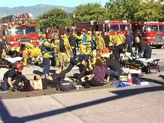 Ba đối tượng xả súng kinh hoàng tại Mỹ làm 14 người chết