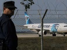Nghi vấn có bom trên máy bay Ai Cập bị không tặc cướp
