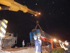 Trắng đêm cứu hộ tàu SE2 gặp nạn tại Huế