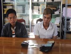 Bắt 2 kẻ trộm đồ của sinh viên đang cứu người chết đuối