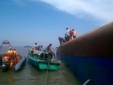 Video tìm kiếm, cứu hộ nạn nhân trong vụ chìm tàu Hoàng Phúc 18