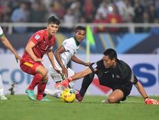 Việt Nam 2-2 Indonesia: Dừng bước!