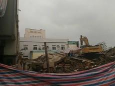 Sập trụ sở cũ báo Đà Nẵng, 2 người tử vong
