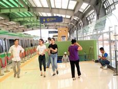 Ngày đầu mở cửa tham quan nhà ga La Khê