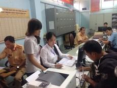 Phú Nhuận: Trả GPLX, căn cước tận nhà dân