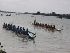 Tưng bừng lễ hội đua thuyền truyền thống