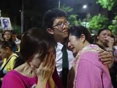 Clip: Người dân Thái Lan đau buồn vì mất mát to lớn