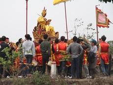 Clip: Lễ hội đền Sái đông đúc, náo nhiệt ở Hà Nội