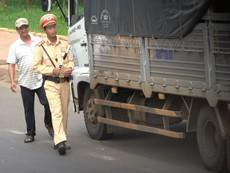 Video: CSGT kiểm tra chớp nhoáng ở Đắk Nông, Đắk Lắk